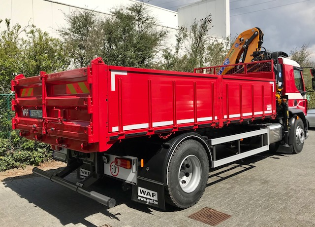 DAF LF 260 FA / 19 tonnes avec benne basculante et grue Effer foto 2